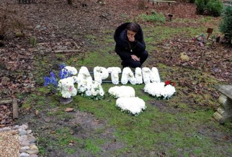 Woman Spends £4,000 To Bury Her Late Dog
