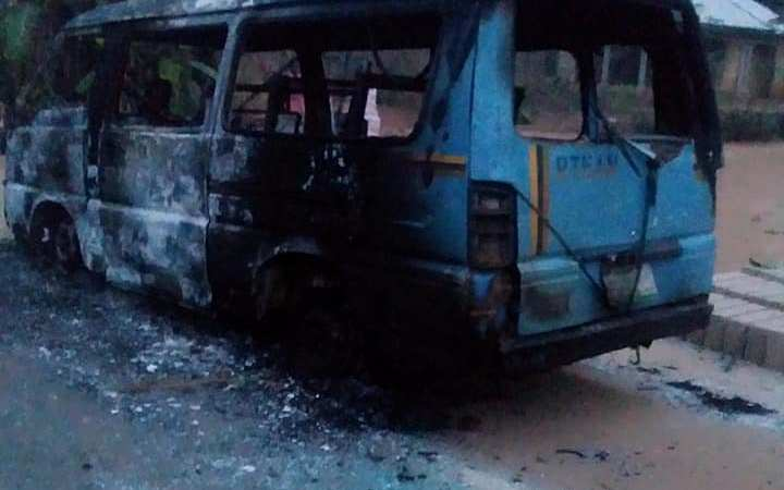Hoodlums Attack INEC Buses In Akwa Ibom, Set Them Ablaze