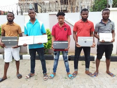 EFCC Arrest 5 Suspected Internet Fraudsters In Akwa Ibom