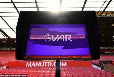 FIFA To Replace Linesmen With VAR And Robots