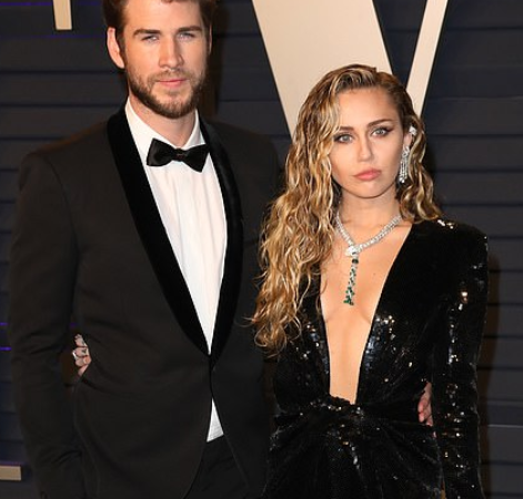 Miley Cyrus Takes To Twitter To Deny Cheating On Liam Hemsworth, Says She Still Loves Him