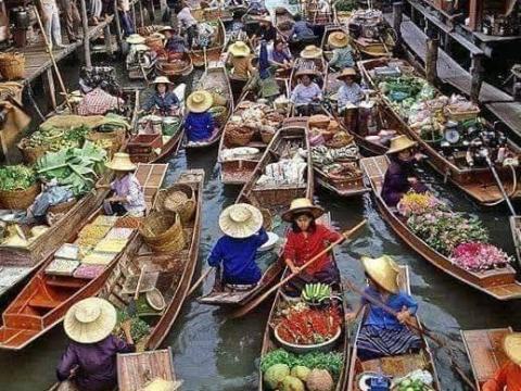 Photo Of A Floating Market In Bangkok, Thailand