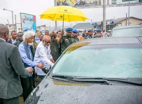 See Photos As Governor Akeredolu Drives Wole Soyinka