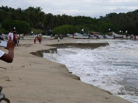 Mexico's Popular Beach Is Sinking
