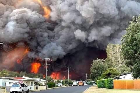 High Temperature Causes Wild Fire Outbreak In Homes And Land In Australia