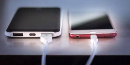 Things You Should Stop Doing If You Want Your Phone Battery To Last Long