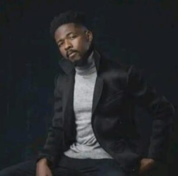 Johnny Drille Ft Ladipoe – Hold On