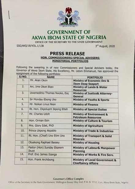 Gov Udom Emmanual Swears In New Commissioners, Special Advisers