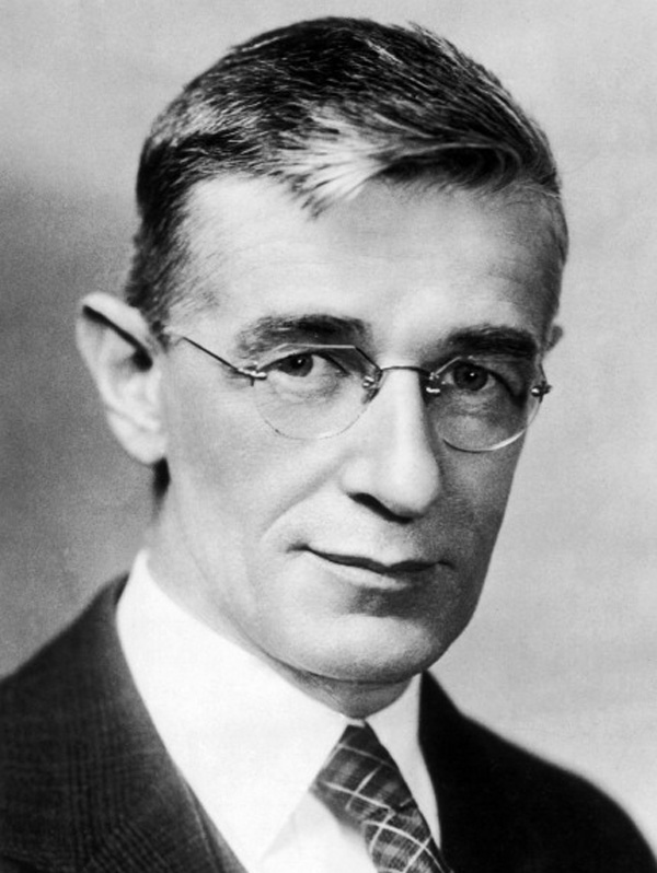 Vannevar Bush (Getty)