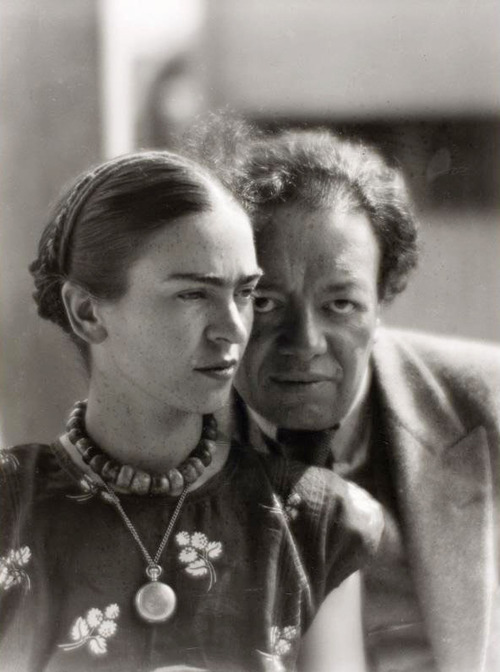 Diego Rivera and Frida Kahlo in Mexico, 1933 (Photograph by Martin Munkácsi)