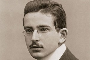 How to Write Fat Books: Walter Benjamin's Principles of the Weighty Tome