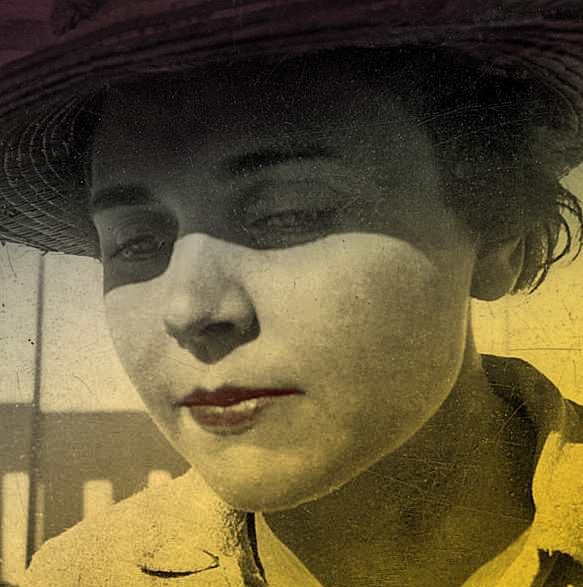 elizabeth bishop a poet as a delicate ethnographer Bishop had a lifelong fascination with stevens—with his poetry, his ideas about art and the role of the artist, his way of living, and the delicate balance he strived to maintain between his art.