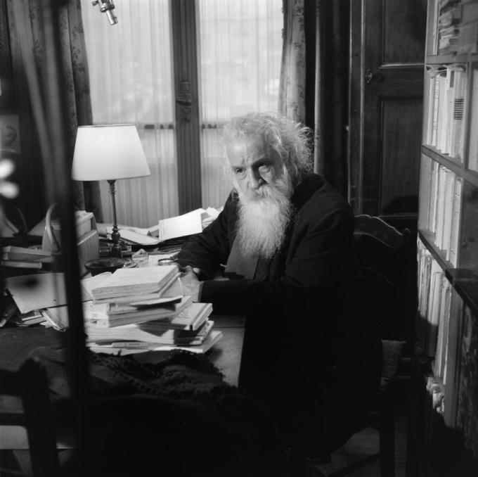 Gaston Bachelard, 1961 (Photograph: Bernard Pascucci)
