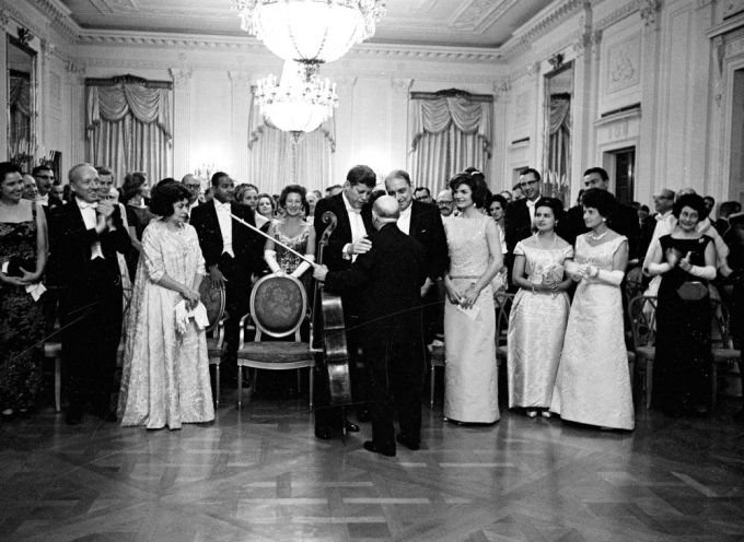 Pablo Casals with President John F. Kennedy,  November 13, 1961 (Photograph: Cecil Stoughton /  John F. Kennedy Presidential Library and Museum, Boston)