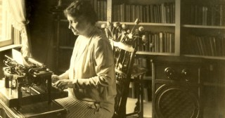 """The Trans-Sensory Transcendence of Music: Helen Keller's Electrifying Letter About """"Hearing"""" Beethoven's Ode to Joy"""