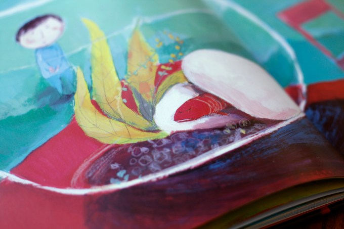 This Is a Poem That Heals Fish: An Almost Unbearably Wonderful Picture-Book About How Poetry Works Its Magic Artes & contextos poem fish25