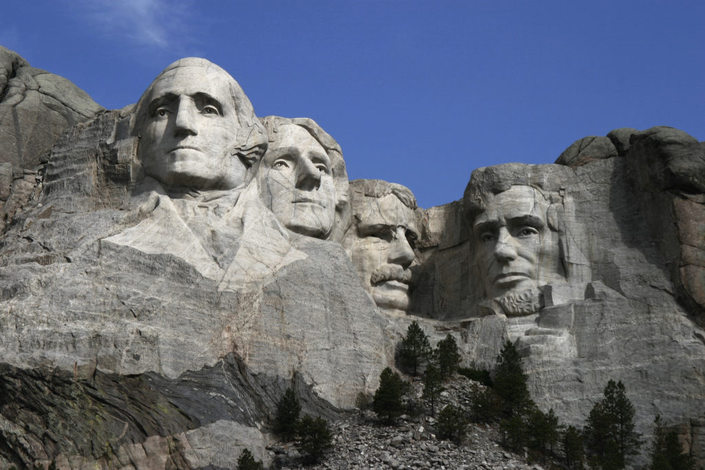 dean_franklin_-_06-04-03_mount_rushmore_monument_by-sa-3_new