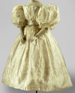 Wedding dress with extremely wide, puffed sleeves, Anonymous, in or before 1835