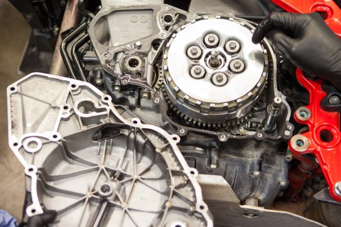fix a clutch roadside © brake magazine 2017