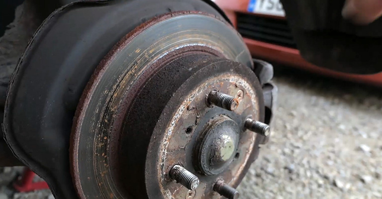 What Happens if Your Brakes Seize FI