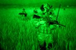 dbb7fb7e22-soldiers in the night