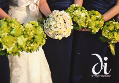 green bridesmaids bouquets