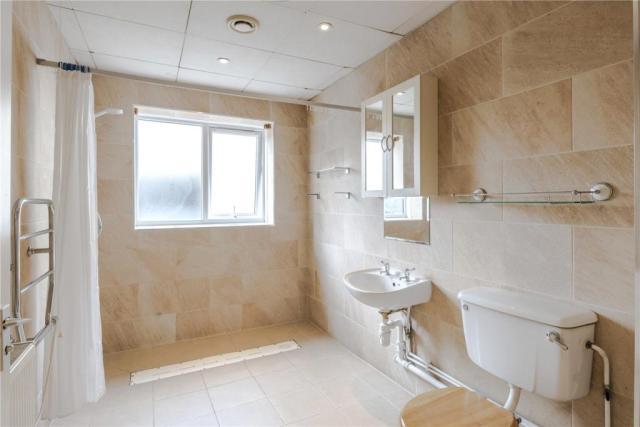 Large , stylish wetroom