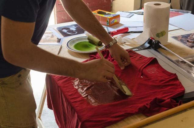 ma se uso una maglietta rossa??