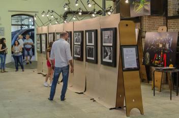 mostra di Street Level Photography curata da Sante Crepaldi, Marco Crivellaro e Riccardo Donà