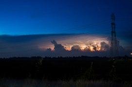 la sorpresa finale, spettacolare tempesta di filmino lontano all'orizzonte