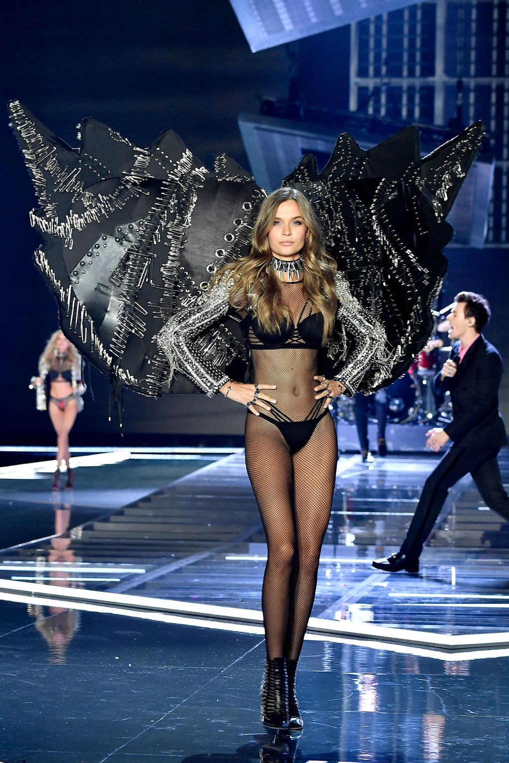 All The Looks From The Victoria S Secret Fashion Show 2017 Brandalley Blog