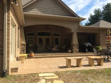 Custom Home in Knoxville Tn back porch