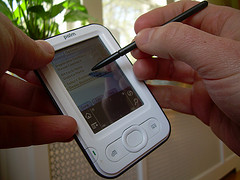 Pen computing on the Palm Zire, by ilamont.com