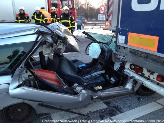 Ongeval A2 Vrachtoauto-Auto 072