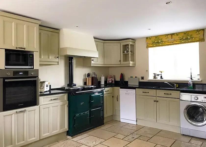 17-brankley-cottage-kitchen