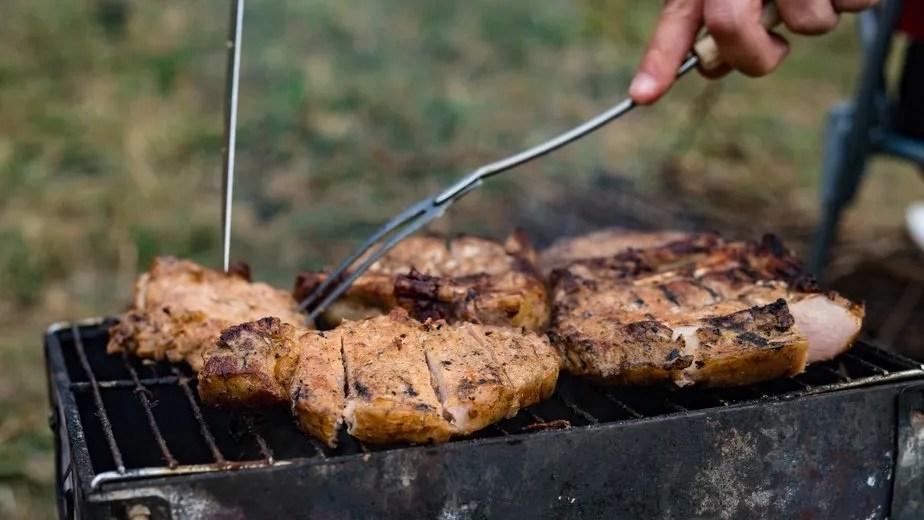 Los 6 utensilios imprescindibles para cocinar a la parrilla