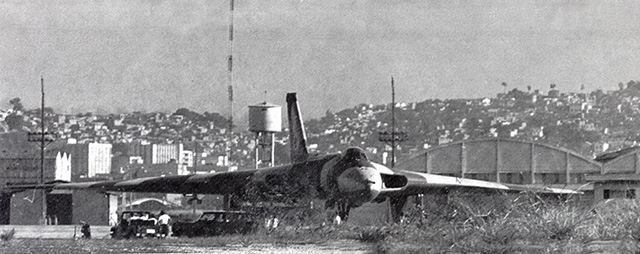 War and Conflict. The Falklands War. pic: 3rd June 1982. The British RAF. Vulcan jet bomber pictured at Rio de Janeiro, Brazil after technical problems had forced it to make an emergency landing after being intercepted by Brazilian jet fighters. Credit: Popperfoto.com Ref: UPI.