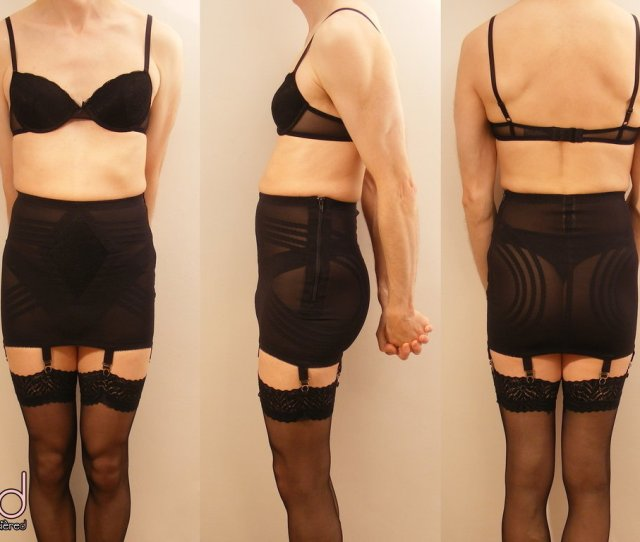 Wearing A Girdle To Enjoy Sex