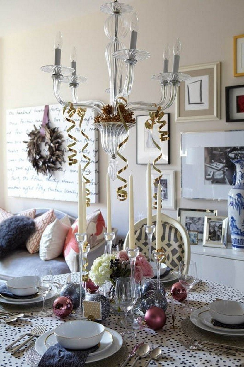 40 Eye Catching Christmas Table Decorations For A Festive
