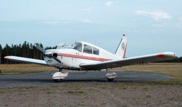 SE-KRH - Piper PA 28 140
