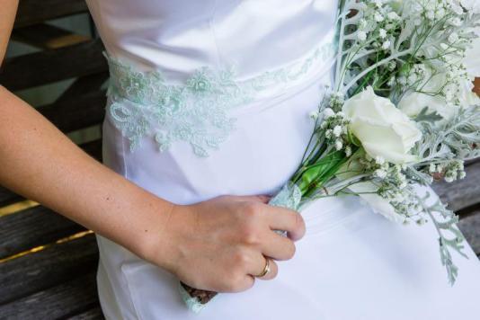 Styled Shoot- Eine Sommerhochzeit mit nostalgischem Flair_Emotional Art Wedding Photography - 20