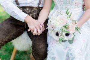 Styled Shoot- wild-romantische Almhochzeit_Natascha Grunert - 15