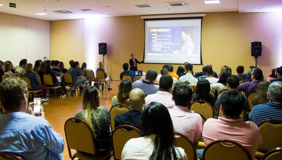 Larissa Veloso especialista em Inbound marketing em Manaus