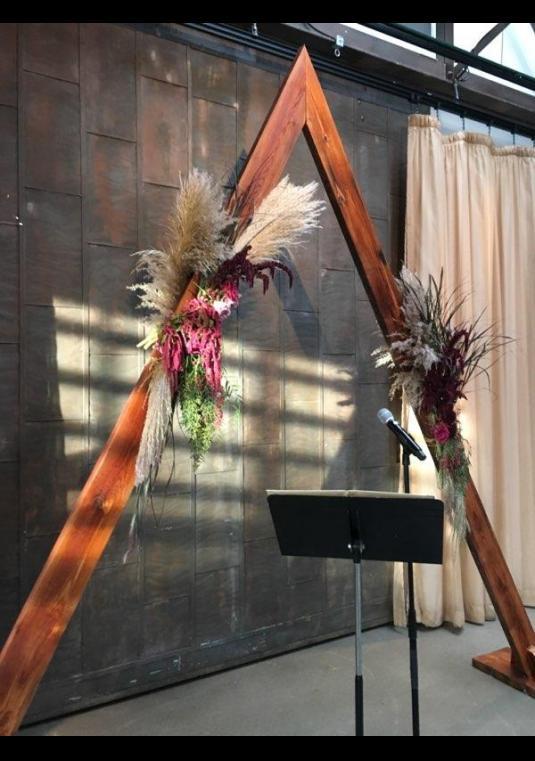 Stunning Triangle Arch Arbor Wedding Arch Bravobride
