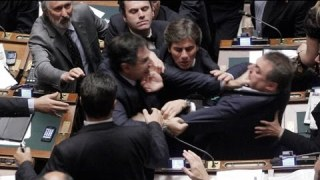 Italian MPs brawl in parliament over reforms