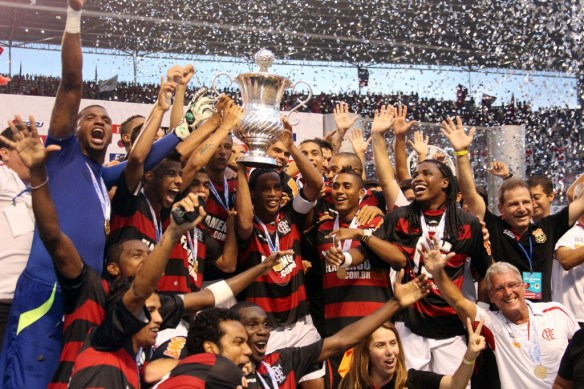 First part of the Rio State Championship. Ronaldinho captained the team to victory