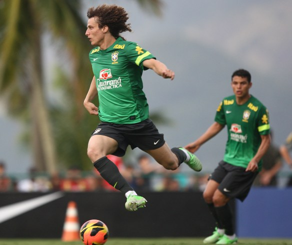 David Luiz in training for Brazil (Mowa Press)
