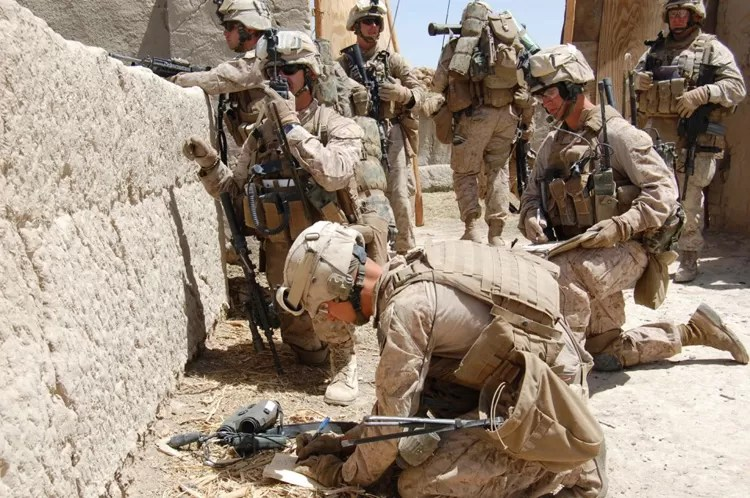 The Hornets Nest - Marines outside the wire