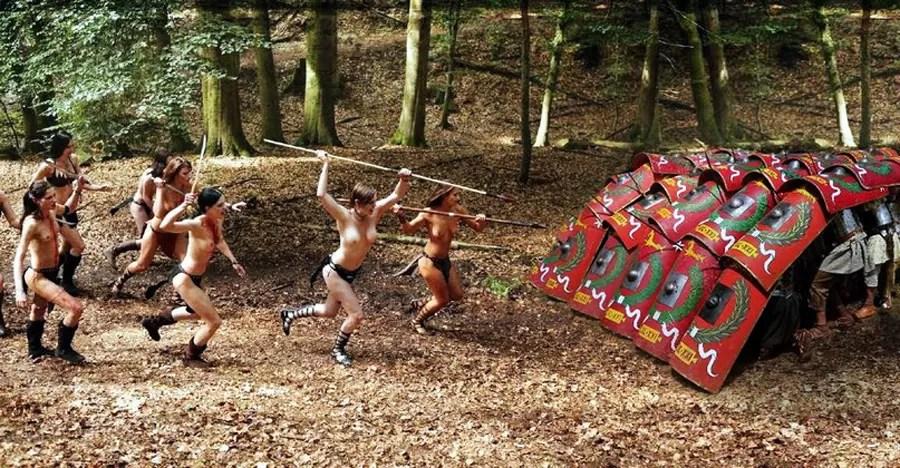 Roman Legionnaires vs Half Naked Amazons