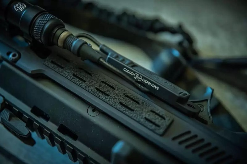 Light Control System on an interesting blaster - @qvo_tactical's Advanced Combat Rifle (ACR).